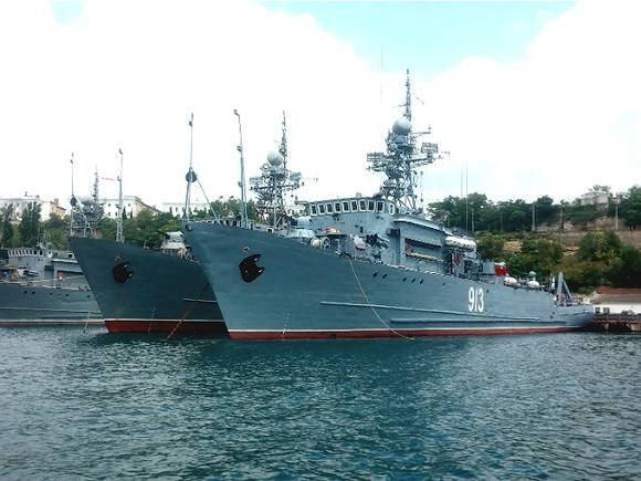 Командующий ВМС Украины заявил о многократном увеличении контингента ВС РФ в Крыму