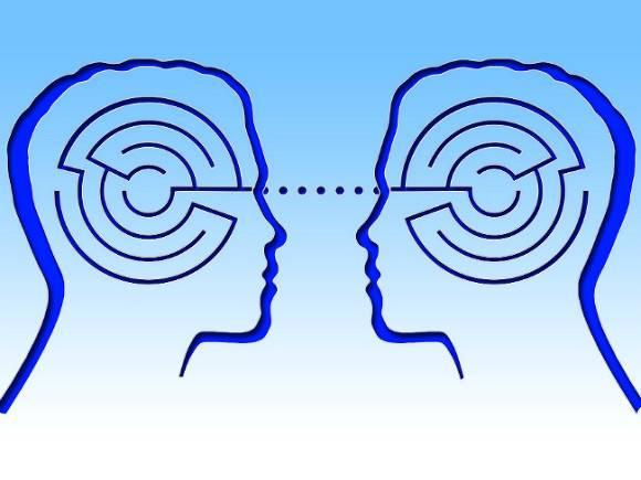Исследование: женщинам лучше удается прочесть мысли других людей и поставить себя на место другого