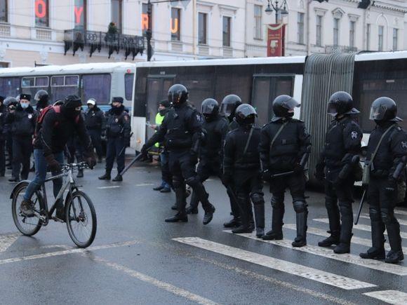 СК: После акций протеста по России завели 20 уголовных дел