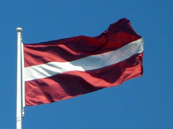 Латвия возобновляет авиасообщение