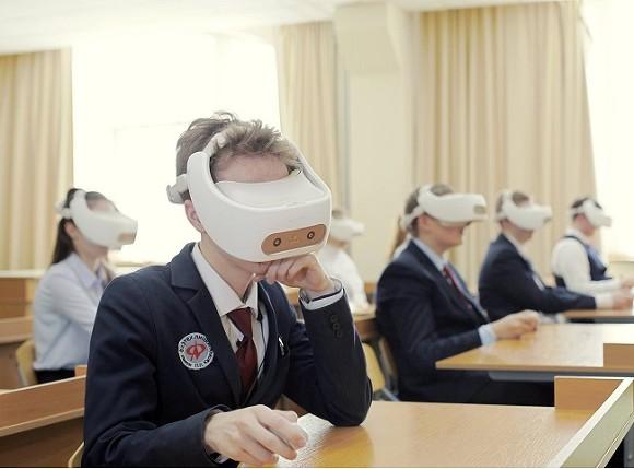 «Проверенный контент»: в российских школах импортозаместили зарубежный софт