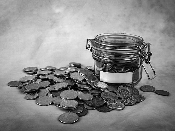 Опрос: Всего 14% россиян накопили деньги на полгода жизни без зарплаты