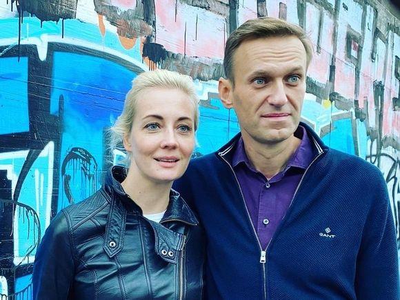 «Валентинка» от Навального: арестованный политик трогательно поздравил жену с Днем влюбленных
