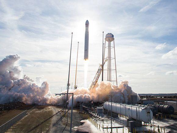 Грузовой космический корабль Cygnus пристыковался к МКС