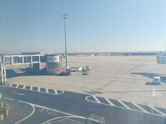 Российский VIP-самолет не долетел до Дубая