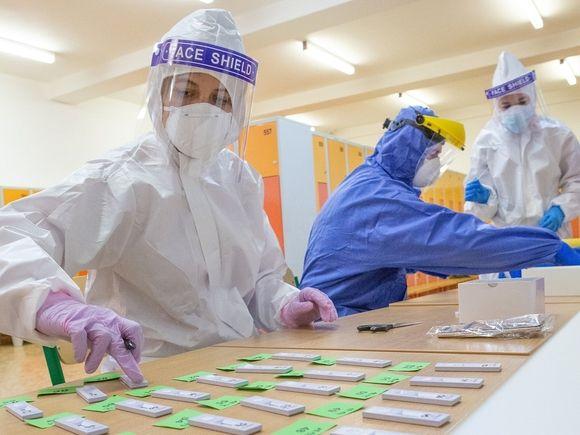 СМИ: Индия начнет прививать население от коронавируса вакциной AstraZeneca