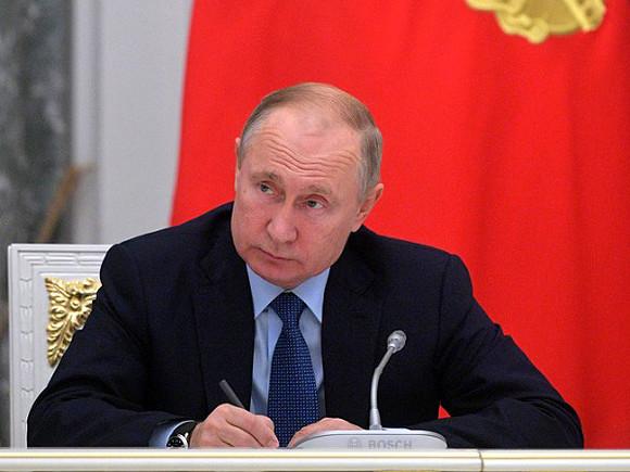 Путин подписал закон о блокировке сотовой связи в местах лишения свободы