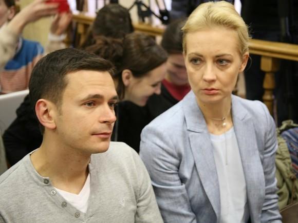 Яшин признался, что скорее ожидал домашнего ареста для Навального, чем заключения его под стражу