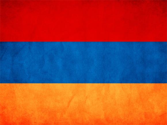 Пашинян уволил начальника Генштаба, который потребовал его оставки