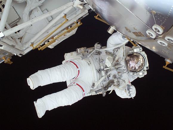 Роскосмос опубликовал фото ночного Петербурга с борта МКС