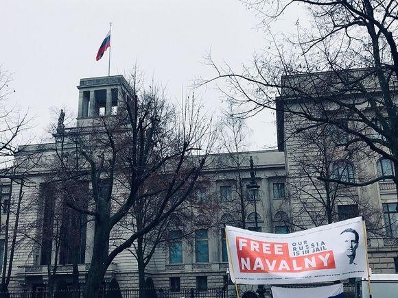 В Берлине и других мировых столицах прошли акции в поддержку Навального (фото)