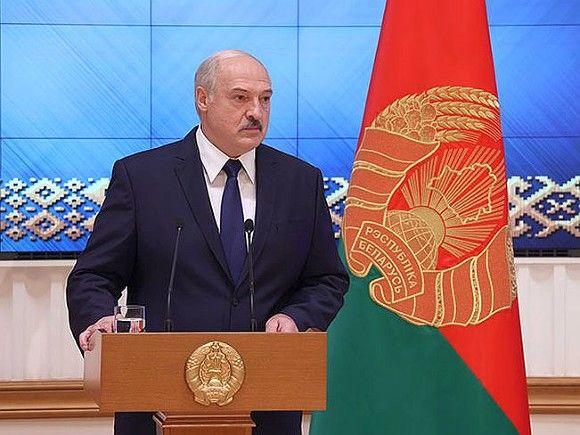 Эксперт — о новой белорусской конституции: Лукашенко несовместим с реформами