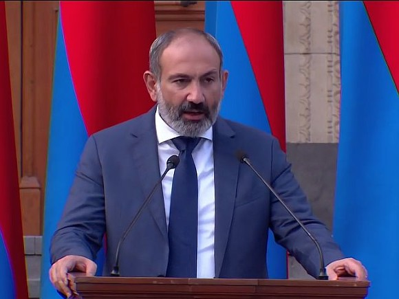 Пашинян собирает сторонников на митинг