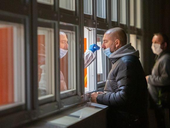Главный отоларинголог Минздрава РФ не подтвердил обязательную потерю обоняния при коронавирусе