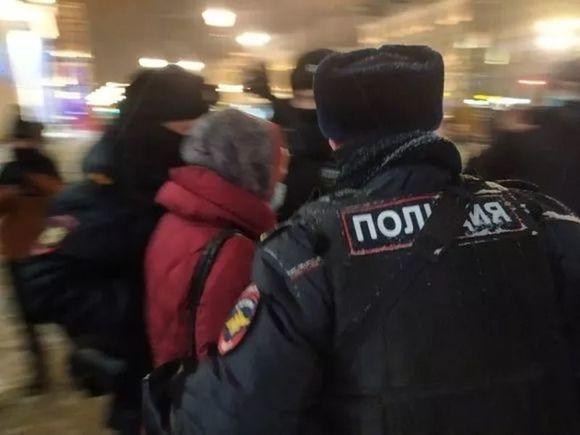 Петербургский омбудсмен: Задержания сторонников Навального разрушают уважение к закону