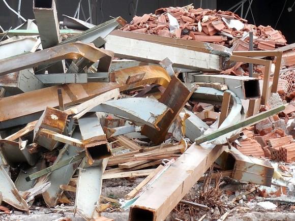 Жилой дом рухнул в Египте, есть жертвы и пострадавшие