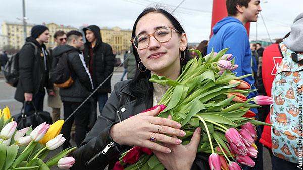 Флорист рассказала, какие цветы лучше дарить на 8 Марта в 2021 году