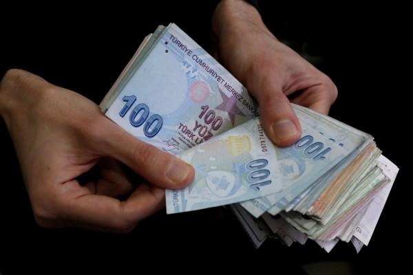 Экономика: Турецкая лира затягивает рубль в девальвацию