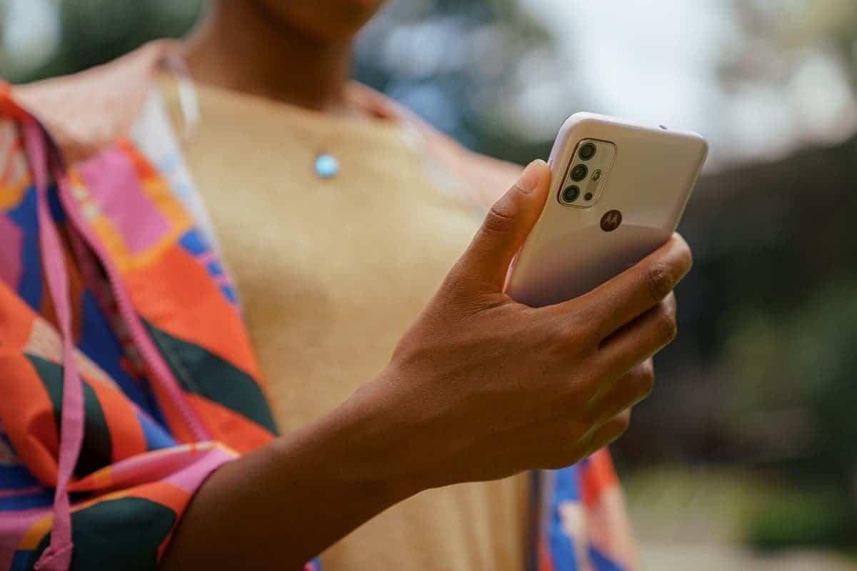 В сеть слили характеристики и фотографии смартфона Motorola Moto G50
