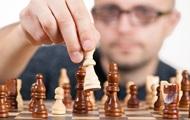 Сериал Ход королевы резко увеличил интерес к шахматам − СМИ