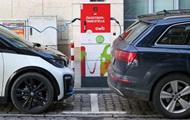В Украине спрос на электромобили снизился почти на 30%