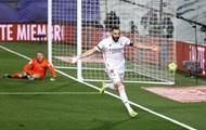 Реал обыграл Барселону и вышел в лидеры Примеры