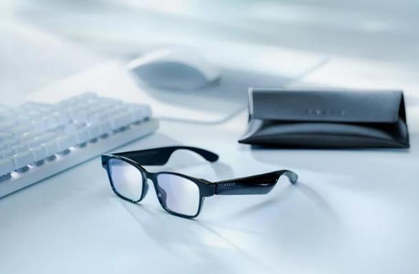 Компания Razer представила 'умные' очки