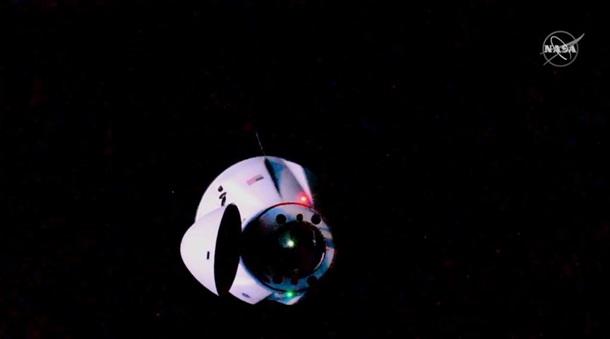 Грузовой корабль SpaceX состыковался с МКС