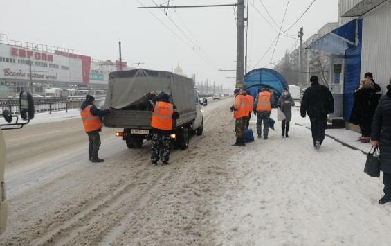 В Курской области задействовали 300 снегоуборочных машин