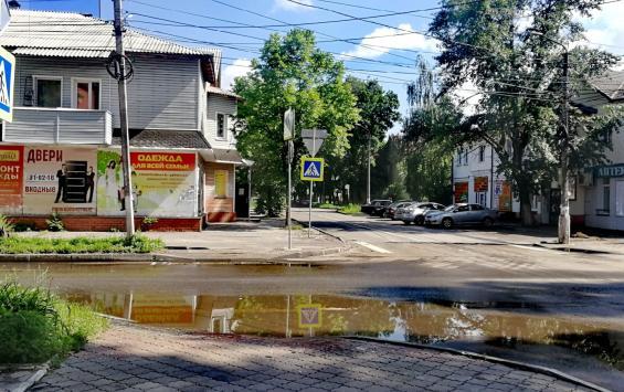 Жители Парковой вновь испытывают трудности с пешеходными переходами дорог