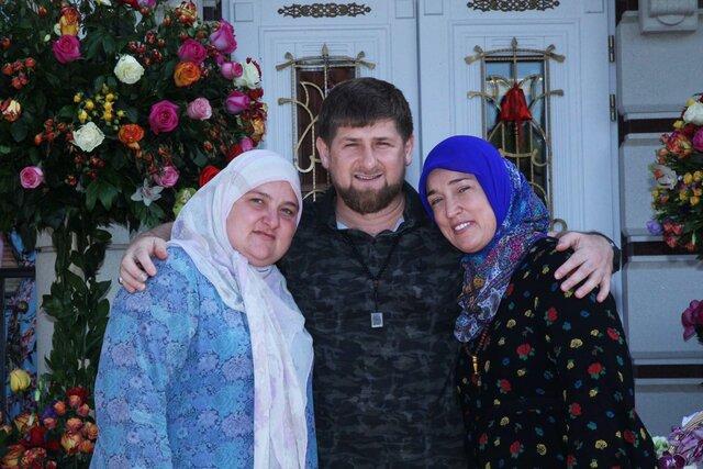 У родственников Кадырова нашли несколько квартир в элитном доме в Москве. Их владельцы занимают высокие посты в руководстве Чечни — но не указывают квартиры в декларациях