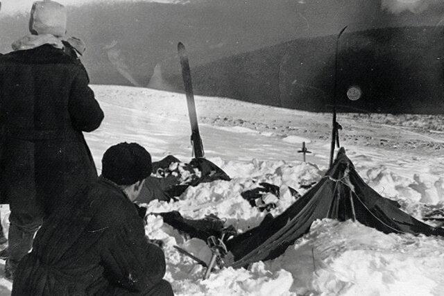 Ученые объяснили, как группа Дятлова погибла из-за схода лавины — в том месте, где, казалось, невозможны лавины. Все дело в трении снега