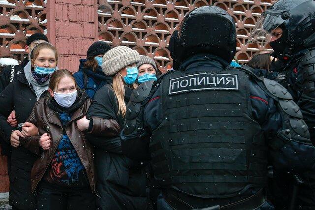 Все, что нас не убивает. Протестные акции и рекордные задержания 31 января в Москве — глазами спецкоров «Медузы»