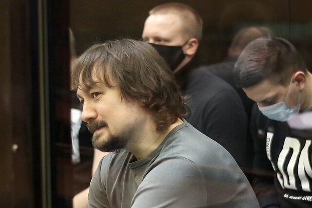 Понятой при задержании Ивана Голунова получил от оперативников полторы-две тысячи рублей. Он утверждает, что потратил их «на такси». Репортаж Анастасии Якоревой с заседания суда