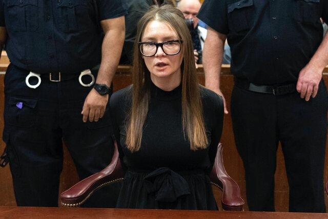 В США на свободу вышла Анна Сорокина — уроженка России, которая выдавала себя за богатую наследницу Анну Делви и получила тюремный срок. Ее историю экранизирует Netflix