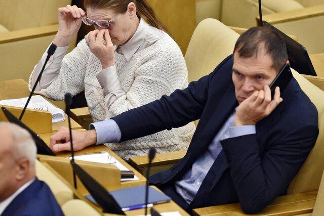 Депутат-единоросс Андрей Барышев предложил отменить статью, по которой наказывают протестующих. И заявил, что их «нельзя бить палками». Мы спросили у него, как так вышло (и получили очень странные ответы)