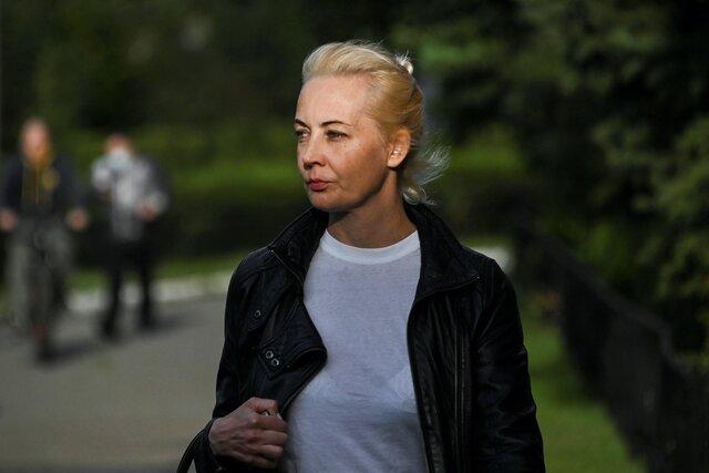 Артемий Лебедев нашел у Юлии Навальной немецкое гражданство… Ой, нет, ошибся, бывает! Правда, «новости» об этом уже написаны и опубликованы