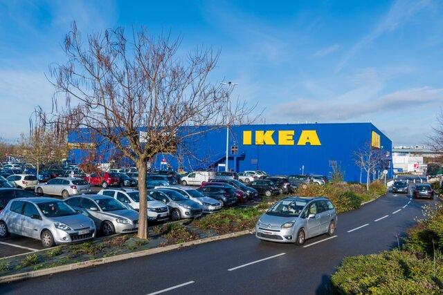Бывших руководителей французской IKEA судят по делу о массовом шпионаже за работниками и клиентами. Поводом для слежки мог стать даже новый кабриолет (если его покупал сотрудник с небольшой зарплатой)