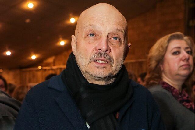 Один из основателей группы «Звуки Му» Александр Липницкий погиб, провалившись под лед на Москве-реке. Предположительно, он пытался спасти свою собаку