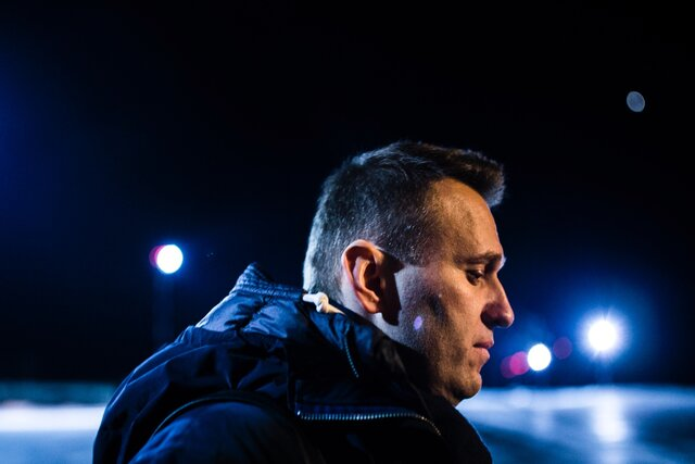Сразу три прокремлевских издания рассказали, как замечательно живется Навальному в колонии. Пересказ материалов RT, РИА Новости и Life — для тех, кто не может заставить себя изучить их в оригинале