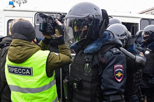 «Обязанность властей — обеспечить журналистам возможность заниматься своей работой в атмосфере, свободной от страха и принуждения». Обращение Евросоюза в поддержку «Медузы»