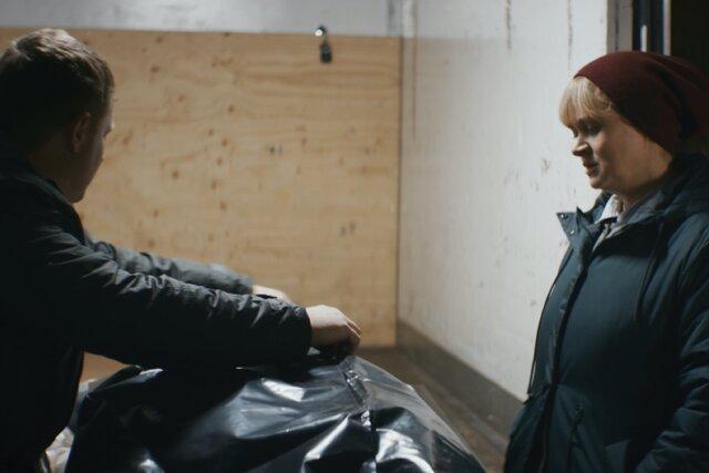 Второй сезон «Обычной женщины» с Анной Михалковой — меньше реализма, больше трэша и приключений. И сериал от этого совсем не проигрывает