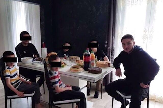 Телеканал «Грозный» выпустил сюжет о похоронах 18-летнего чеченца, обезглавившего учителя под Парижем. И назвал убийцу жертвой провокации