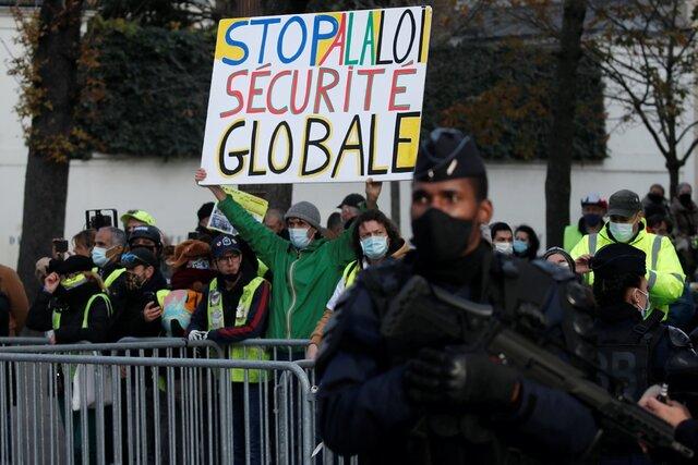 Власти Франции разработали суровый закон о защите страны от радикального ислама. Больше никаких религиозных школ для детей и справок о девственности для невест. Критики говорят о стигматизации верующих