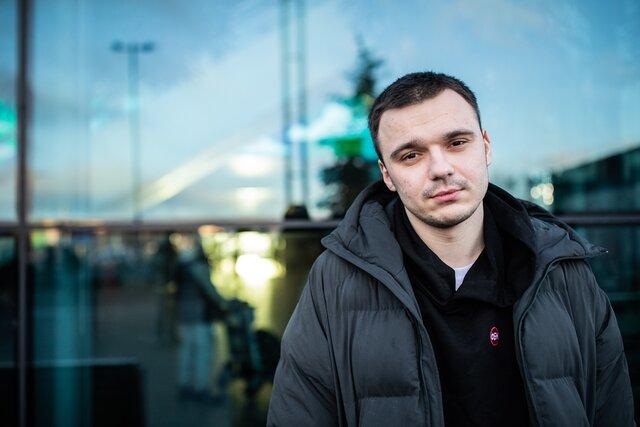 «Я стал еще более злым на всех наших врагов». Сотрудник ФБК Руслан Шаведдинов вернулся после года в армии: он служил на Новой Земле в условиях, которые хуже тюремных. Мы с ним поговорили