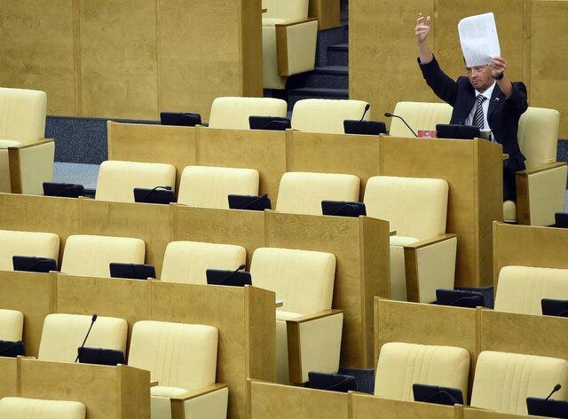 «Не знаю, есть ли еще куда падать авторитету Госдумы». Против закона о гражданах-«иностранных агентах» проголосовал всего один депутат. Мы с ним поговорили