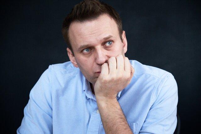 Как появилось новое дело против Навального? Можно ли в принципе украсть 356 миллионов из своих же фондов? Чем все это ему грозит? Главные вопросы и ответы о новогодней атаке властей на основателя ФБК