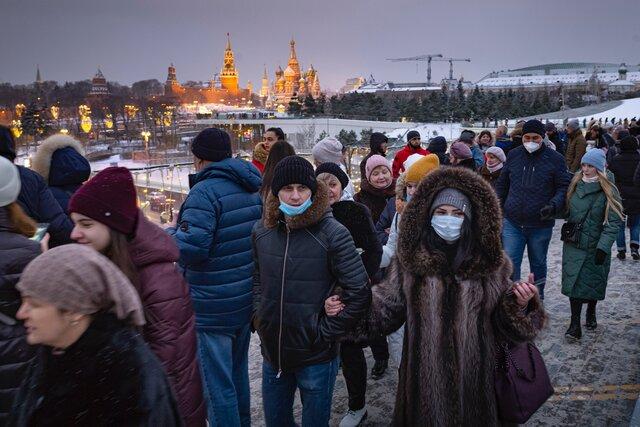 Собянин продлил антикоронавирусные ограничения в Москве на неделю. Но объявил об открытии школ