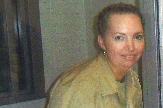 Федеральные власти США впервые за 68 лет казнили женщину. Она убила беременную и выдала ее ребенка за своего. Преступницей ее сделало жестокое насилие с раннего детства, говорят адвокаты