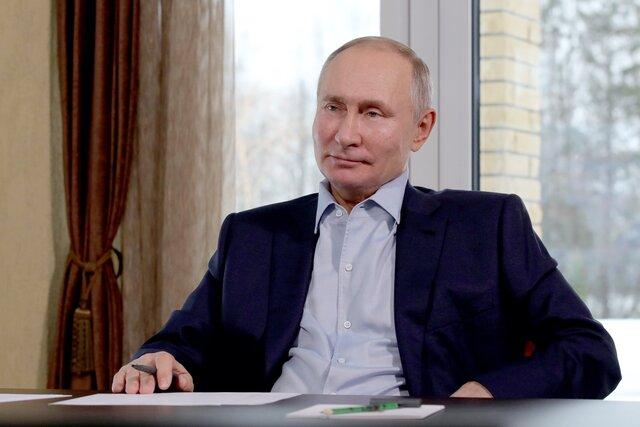 «Все скомпоновали и решили этими материалами промыть мозги граждан». Путин на встрече со студентами семь минут отвечал на вопрос о дворце в Геленджике. Полная расшифровка